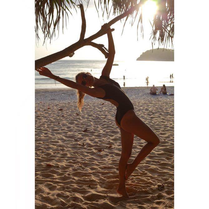 Ольга Веникова фотография на пляже в инстаграм