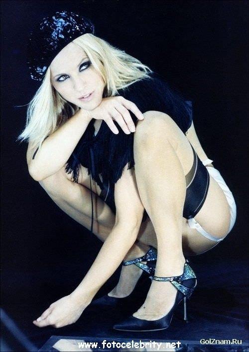 Мария Белло фото для журнала Maxim