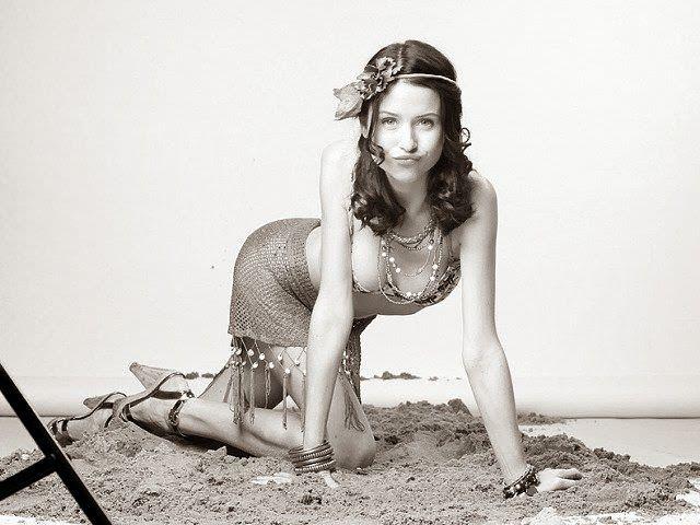 Мирослава Карпович фото в платье