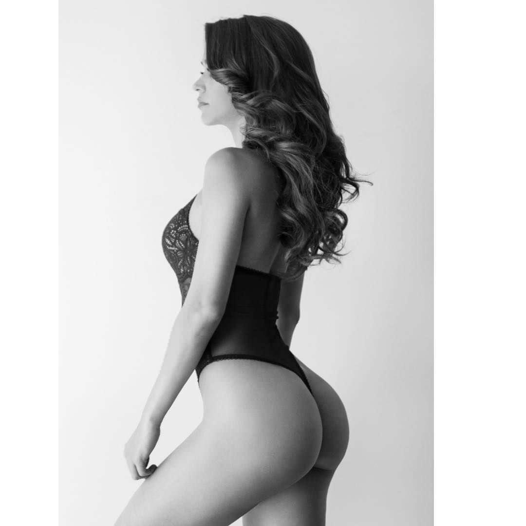 Янет Гарсия фото в боди