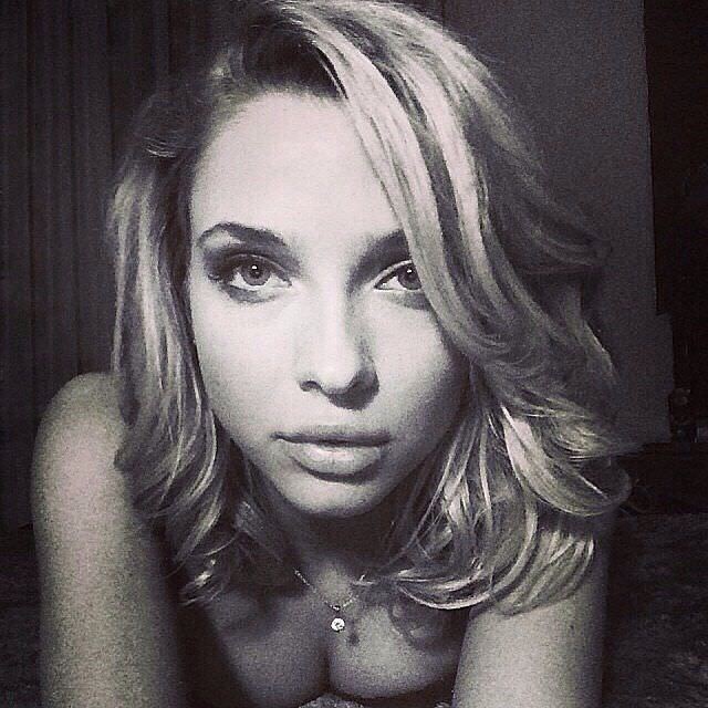 Светлана Степанковская фото на кровати