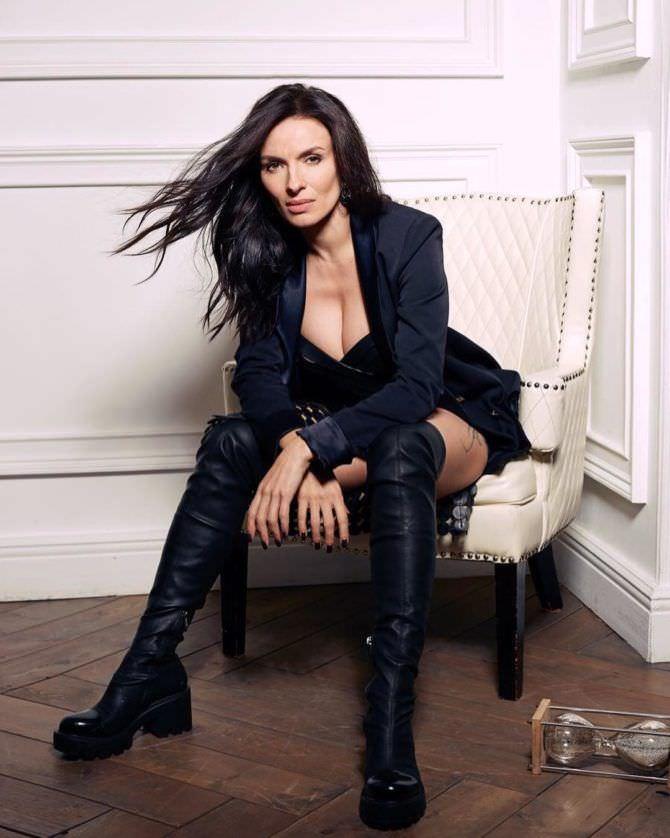 Надежда Грановская фото в чёрном костюме