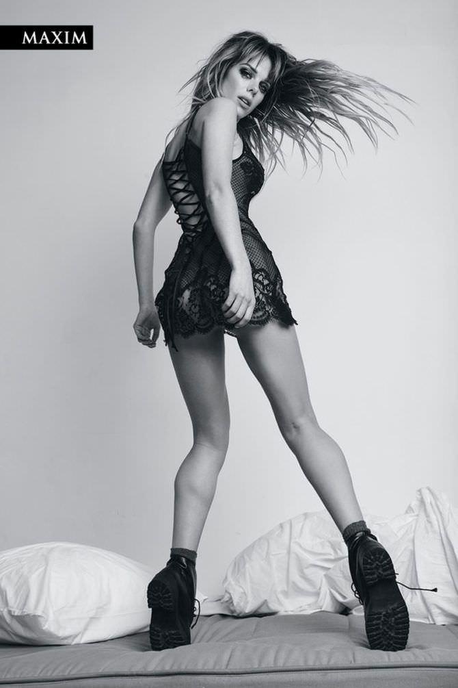 Анна Старшенбаум фото в коротком платье