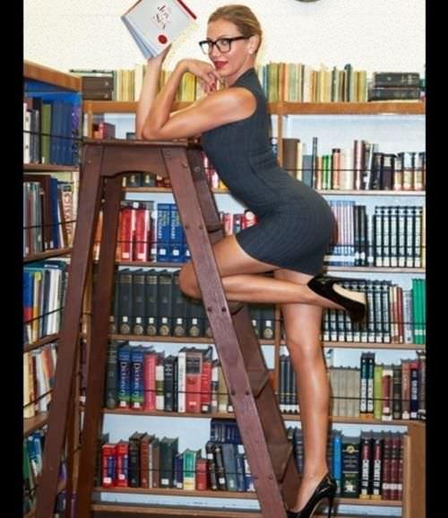 Кэмерон Диаз фото в библиотеке