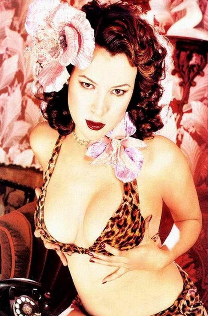 Дженнифер Тилли фото в леопардовом белье