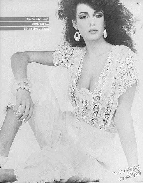 Келли Леброк фото в прозрачном платье