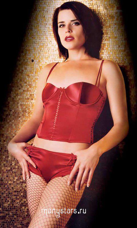Нив Кэмпбелл фото в красном белье