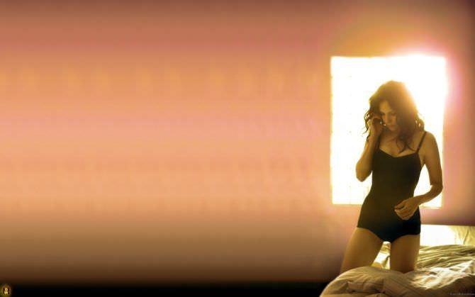 Мэри-Луиз Паркер фото на кровати