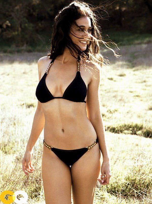 Эммануэль Шрики фото в бикини