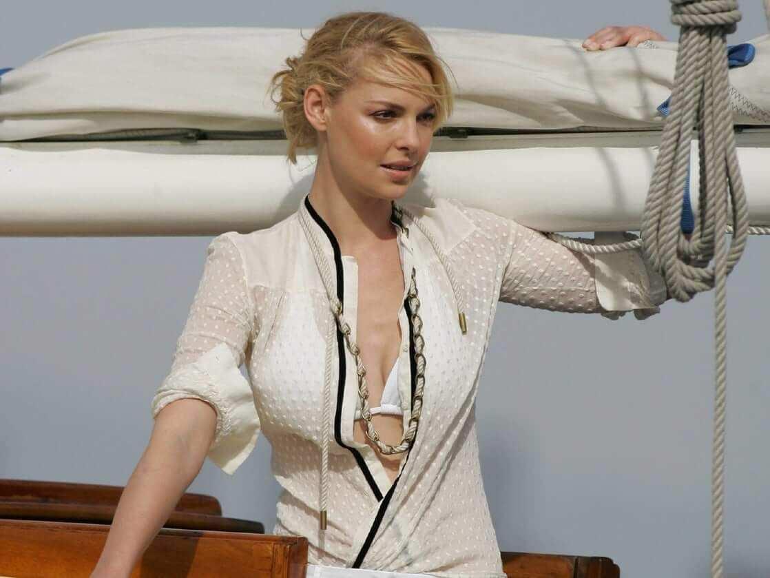 Кэтрин Хайгл фото в рубашке