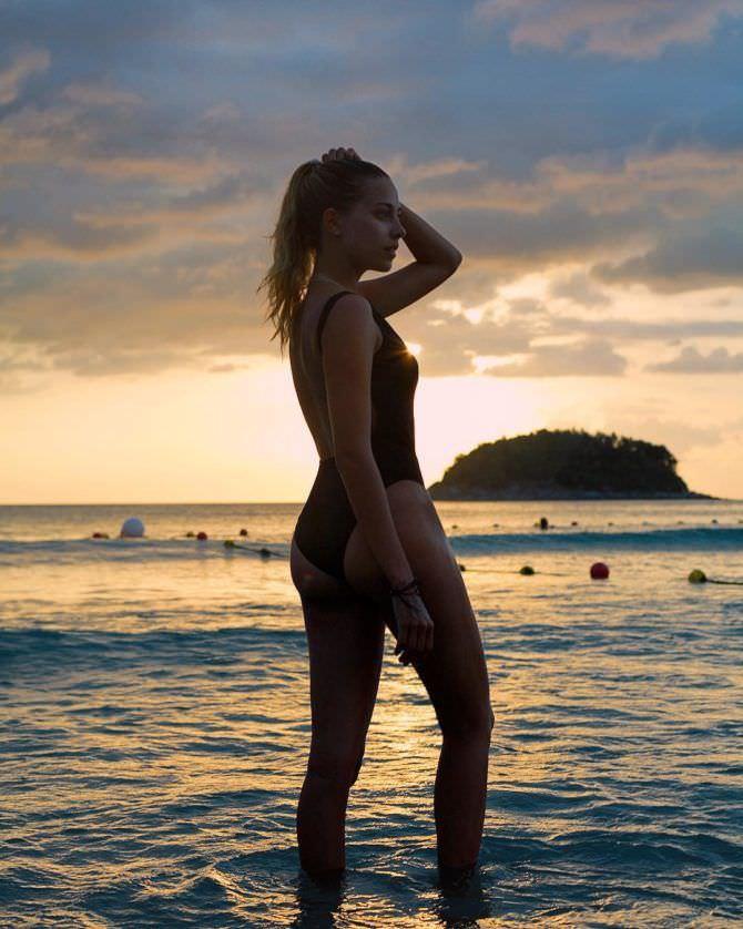 Ольга Веникова фотография на фоне заката
