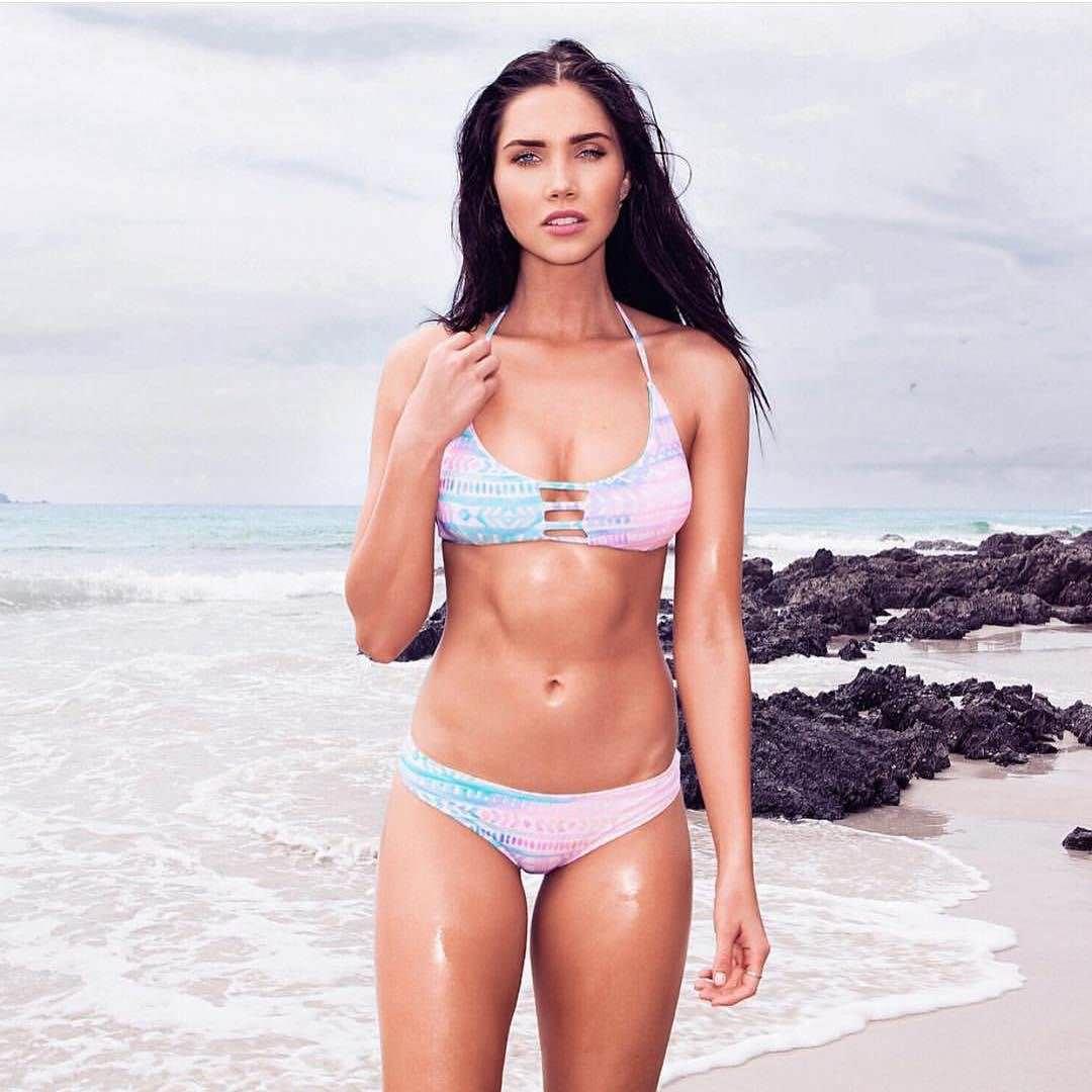 Джессика Грин фото на пляже