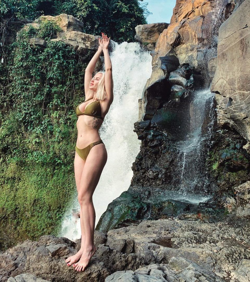 Дарья Шейко фото в купальнике