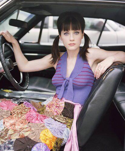 Зои Дешанель фото в машине