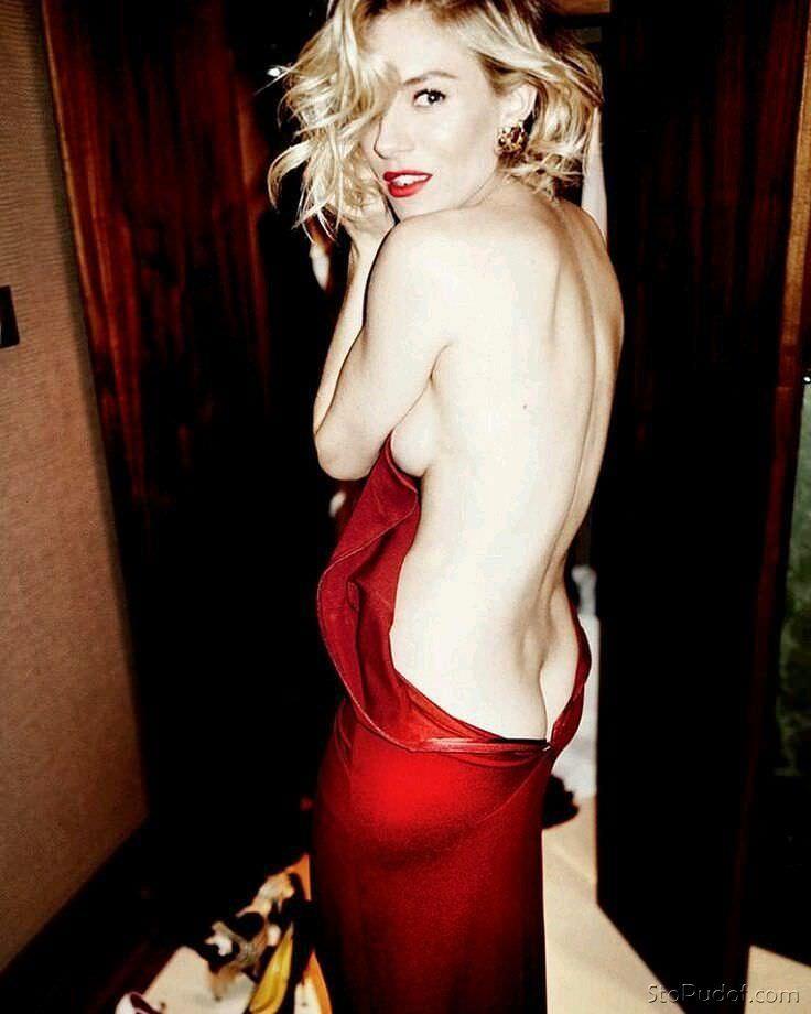 Сиенна Миллер фото со спины
