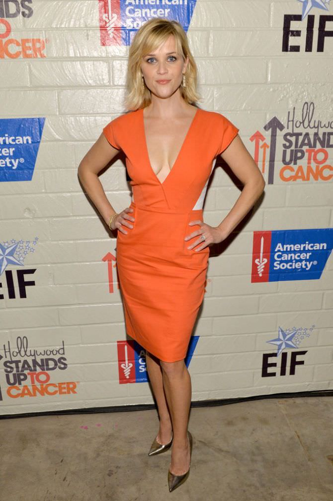 Риз Уизерспун фото в оранжевом платье