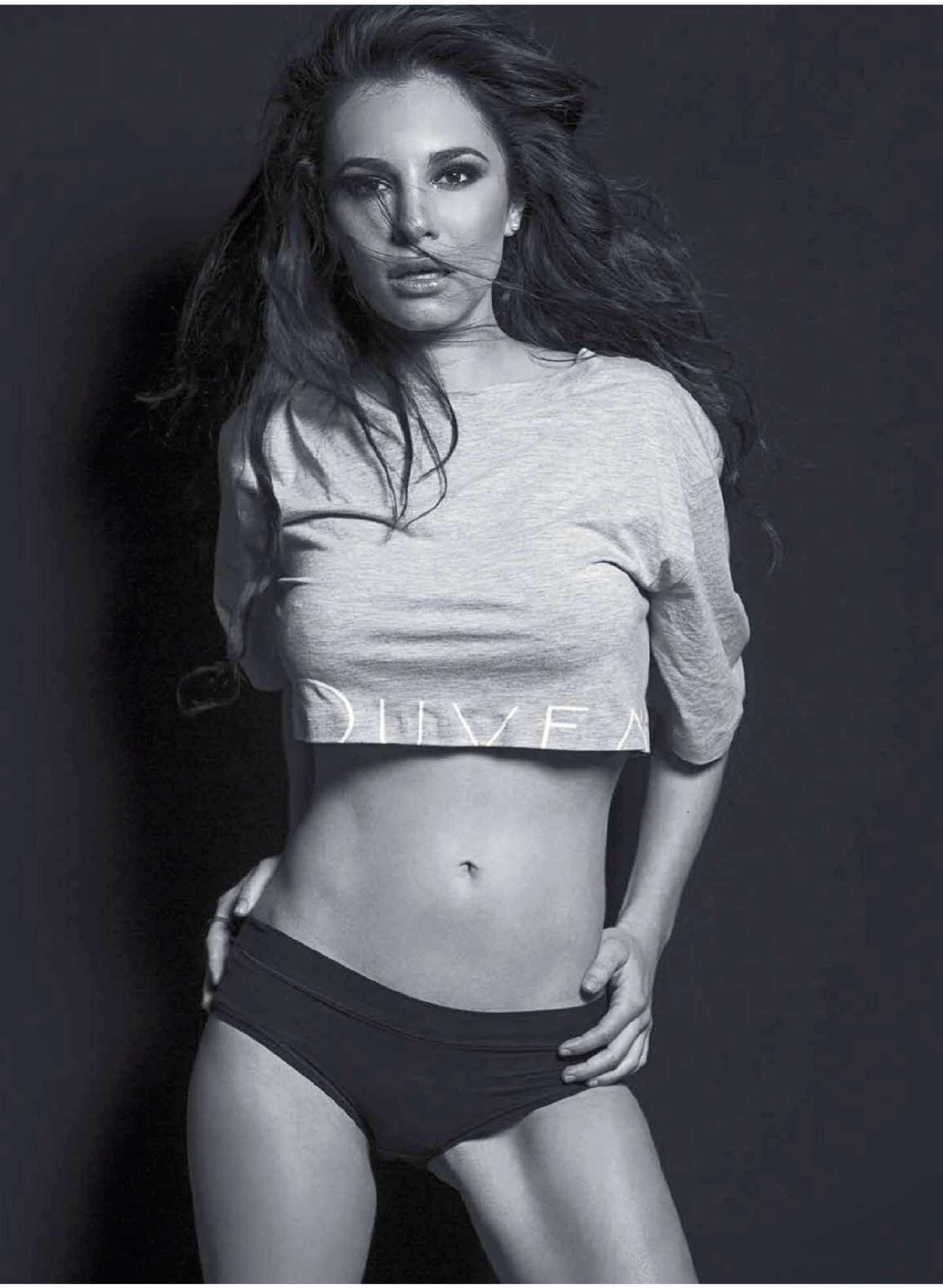 Марта Игареда черно-белое фото в топе