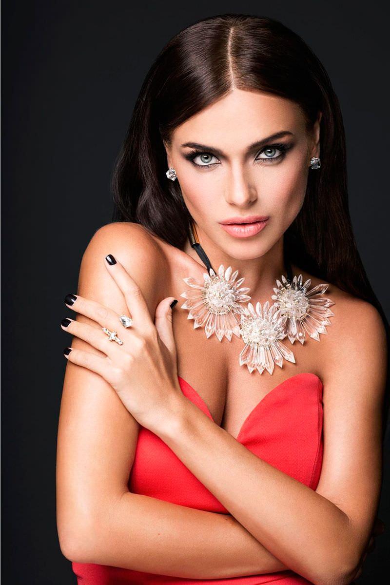 Елена Темникова фото в платье