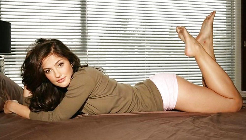 Минка Келли фото в белье