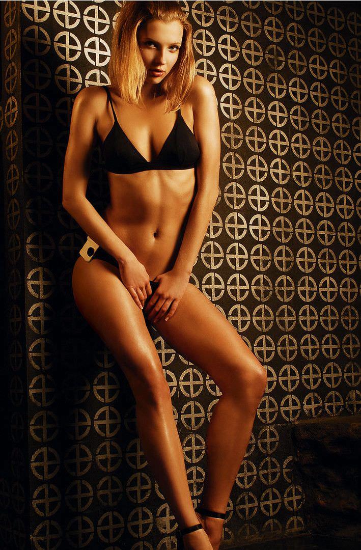 Светлана Степанковская фото в бикини