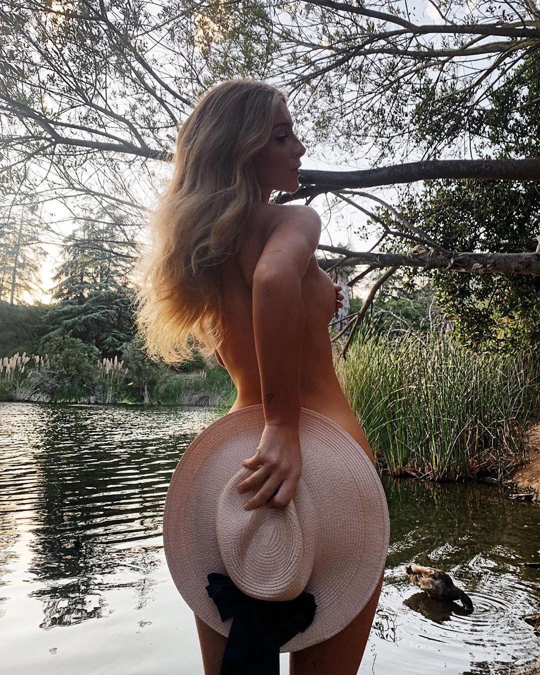 Дейзи Кич фото без одежды