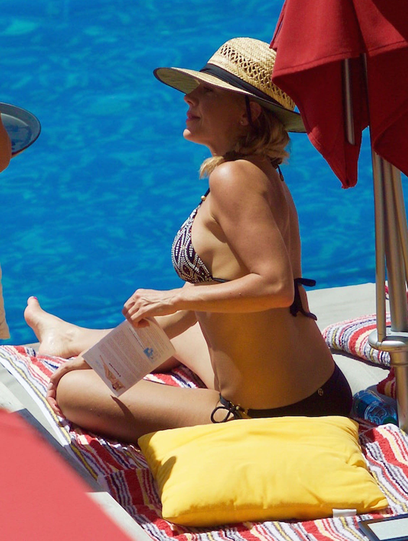 Джули Бенц фото на отдыхе
