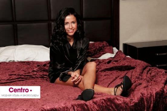 Мирослава Карпович фото на кровати