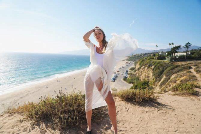 Катрина Боуден фото на берегу моря