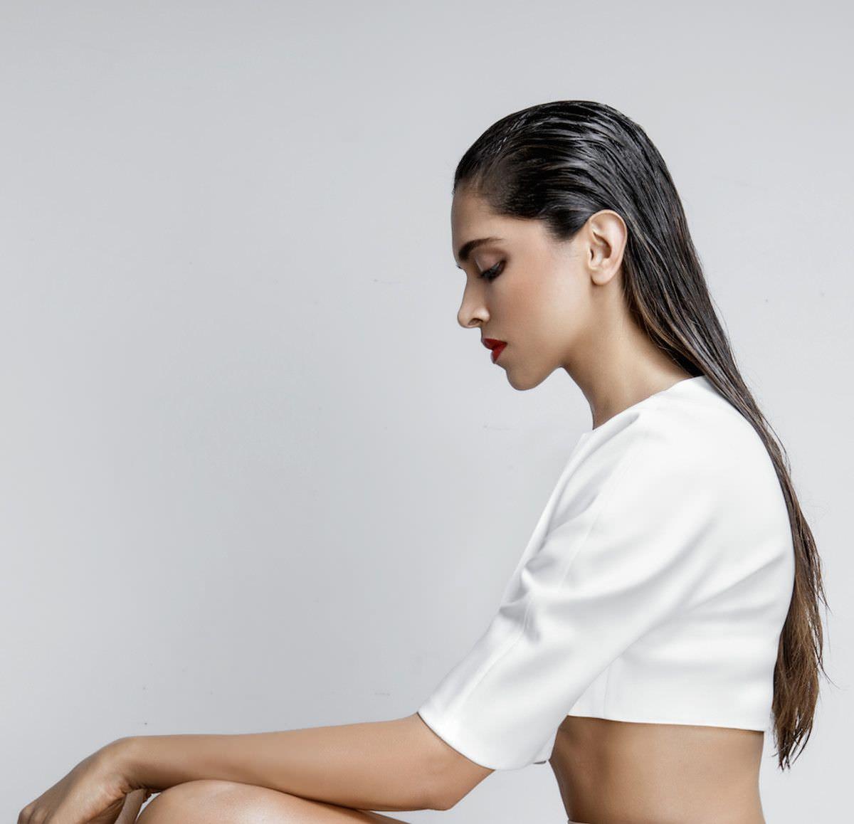 Дипика Падуконе фото с мокрыми волосами