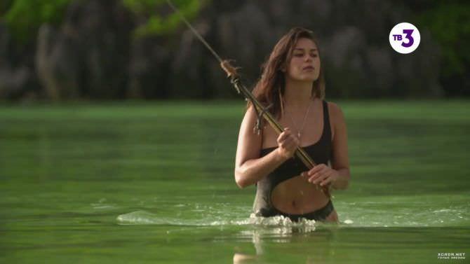 Анфиса Черных кадр из фильма в купальнике
