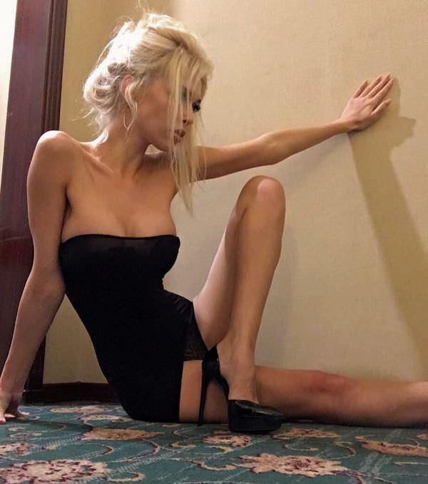 Эрика Герцег фото в черном платье