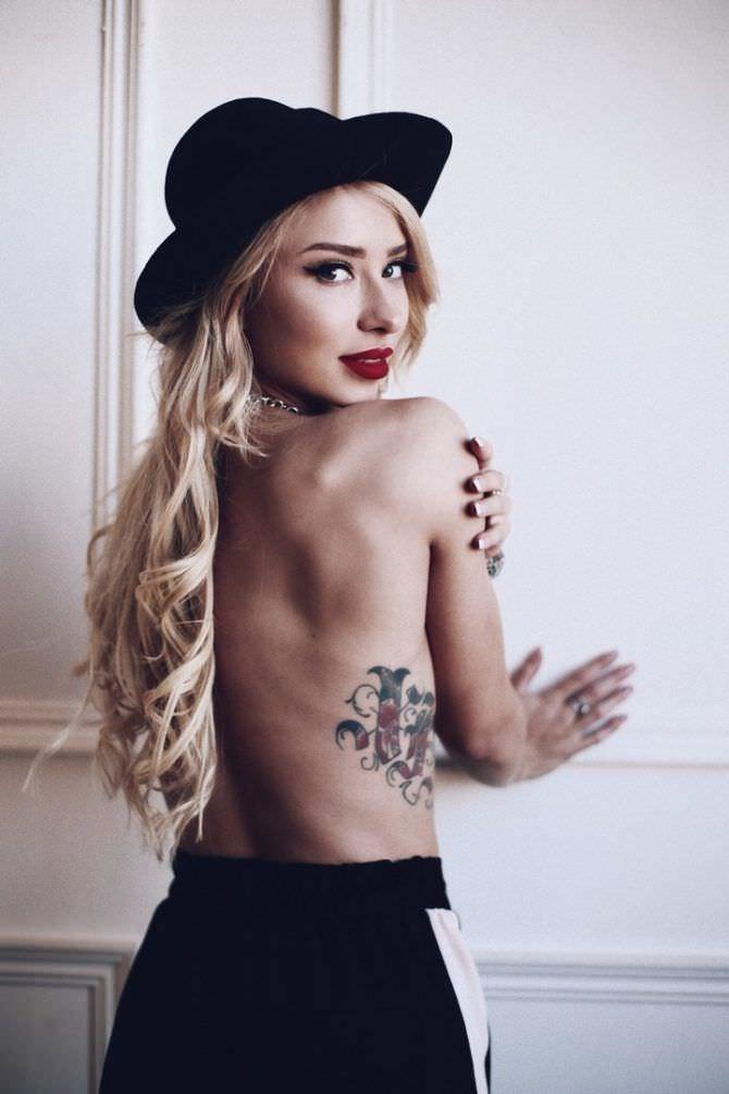 Мария Соколова фото в шляпе