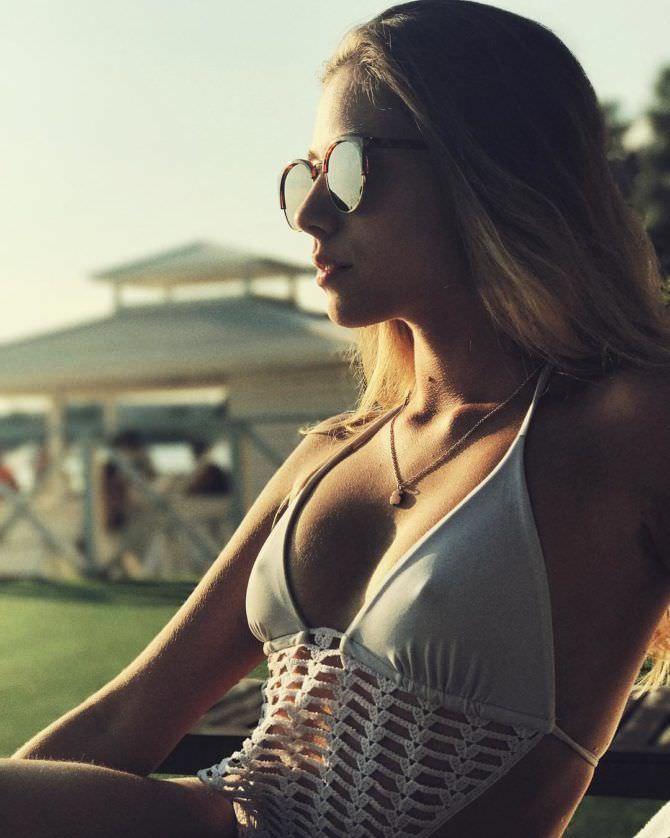 Ольга Веникова фото в солнечных очках