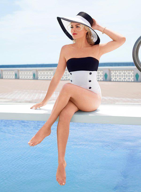 Марго Робби фото у воды