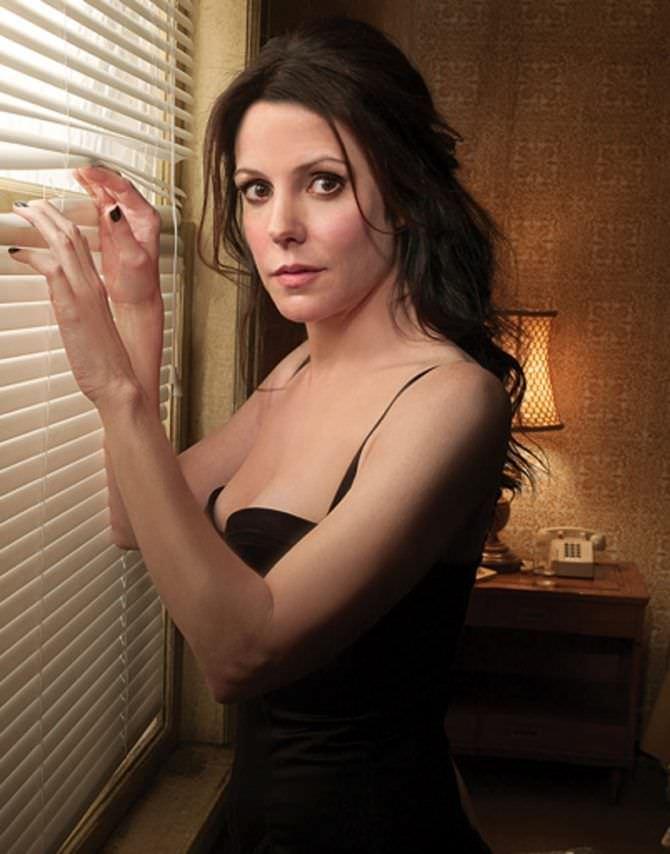 Мэри-Луиз Паркер фото в черном бюстгалтере