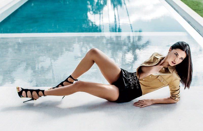 Андриана Лима фото в шортах