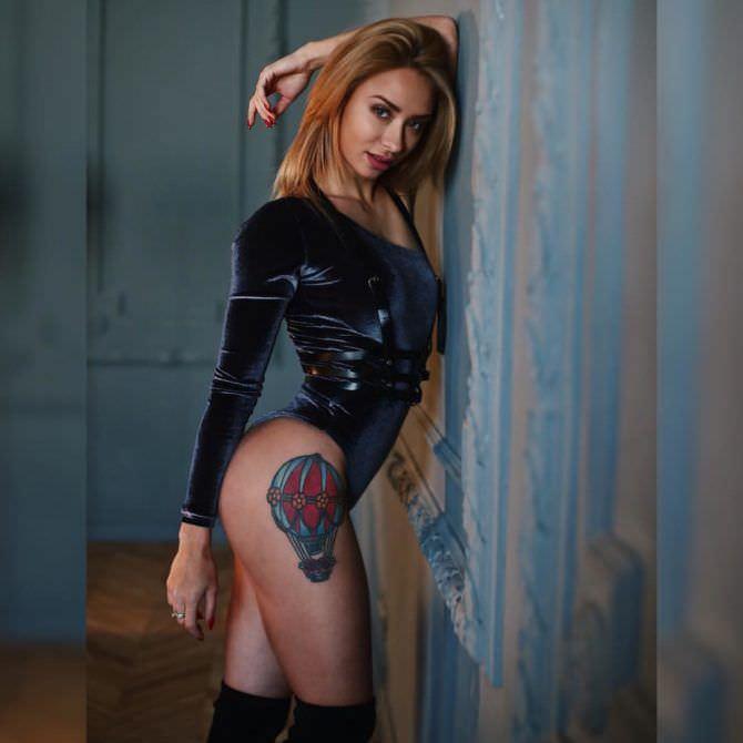Мария Соколова фото в чулках