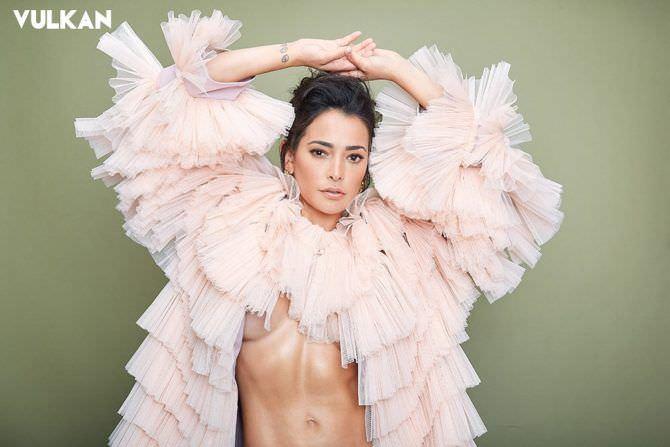 Натали Мартинес фото в пышном наряде