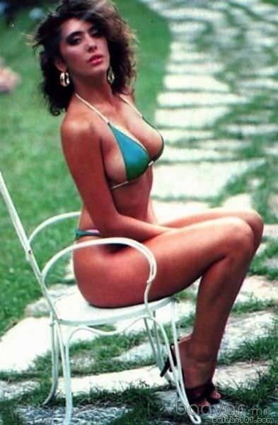 Сабрина Солерно фото в купальнике