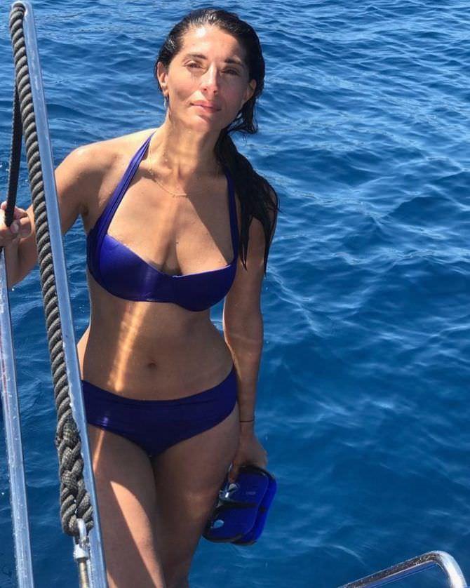 Катерина Мурино фото в синем бикини