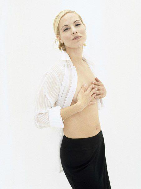Мария Белло фото в рубашке