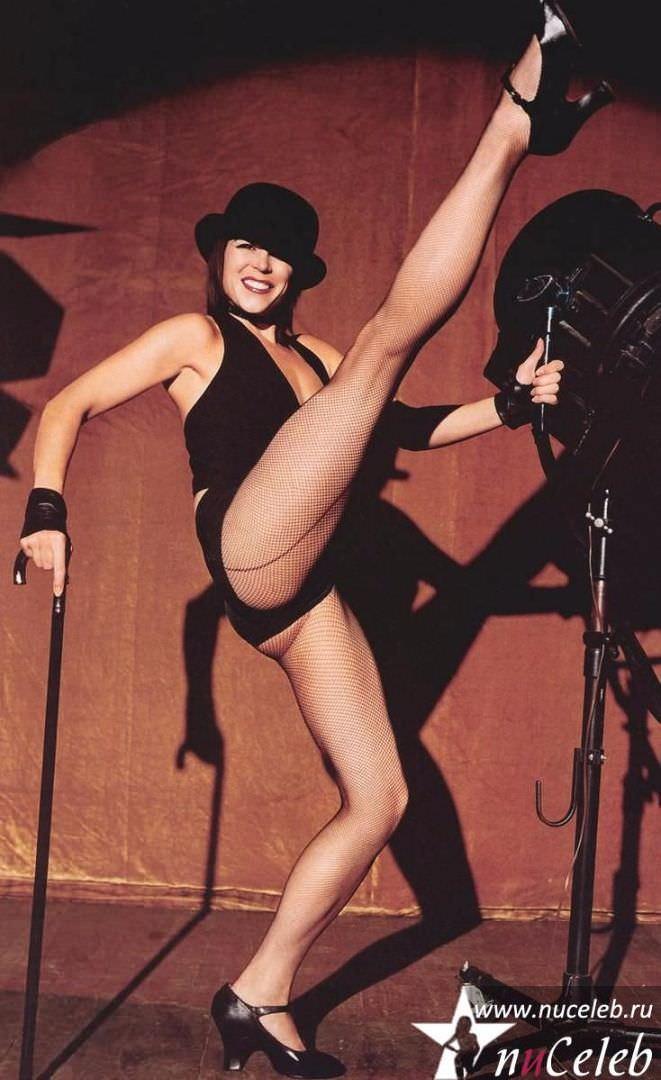 Нив Кэмпбелл фото стройных ног