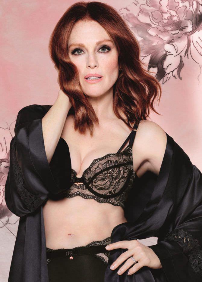 Джулианна Мур фотов кружевном белье
