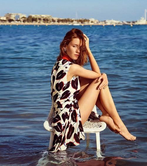 Ирина Старшенбаум фото на стуле