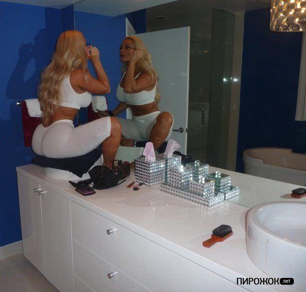 Николь Остин фото в зеркале