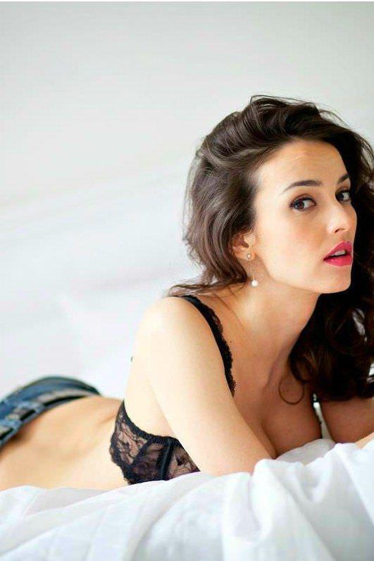 Юлия Зимина фото на постели