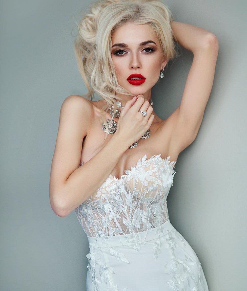 Эрика Герцег фото с ярким макияжем