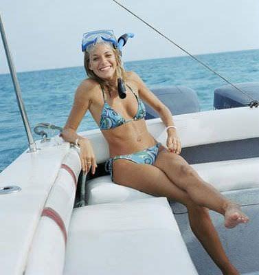 Сиенна Миллер фото на яхте