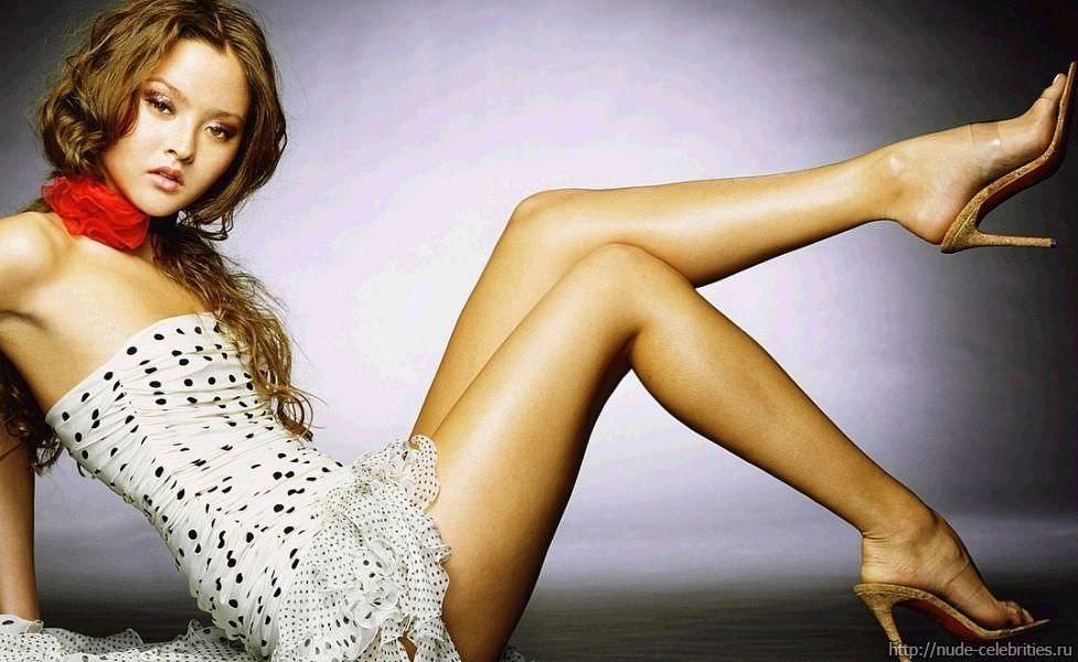 Девон Аоки фото стройных ног