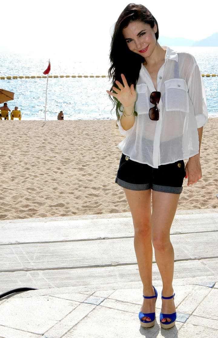 Марта Игареда фото в белой рубашке